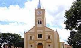 Delfin�polis - Igreja do Divino Esp�rito Santo-Foto:Vicente A. Queiroz