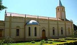 Delfin�polis - Lateral e Jardim da Igreja Matriz-Foto:Alexandre Bonacini [Panoramio]