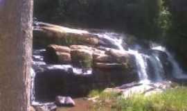 Divinésia - Cachoeira  -  Por suelifurtado