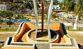 Divino - Monumento ao centenário da Paróquia do Divino Espirito Santo-Foto:sgtrangel [Panoramio]