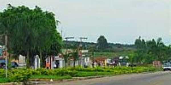 Casas às margens da Rodovia-Foto:PEDRO PAULO