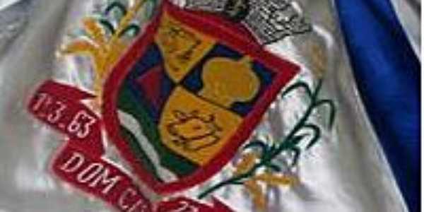Bandeira de Dom Cavati