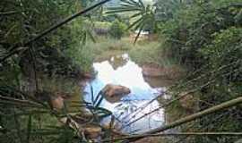 Dores de Guanhães - Dores de Guanhães-MG-Encontro do Córrego Mandioca com o Rio Guanhães-Foto:juliederson jackson