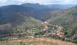 Dores de Guanhães - Dores de Guanhães-MG-Vista da cidade entre montanhas-Foto:Roberto Gloria