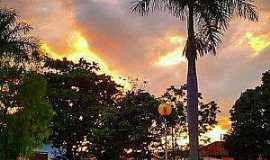 Dores do Indaiá - Dores do Indaiá-MG-Praça Antônio Lalau de Carvalho-Praça da Rodoviária-Foto:Dione Fernandes-Facebook