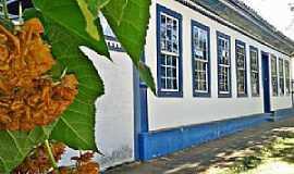 Dores do Indaiá - Dores do Indaiá-MG-Prédio do Patrimônio Histórico-Foto:Shirley Araújo-Facebook