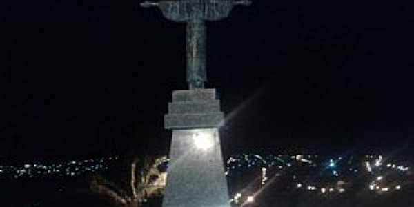 Dores do Indaiá-MG-Cristo Redentor no Alto da Capelinha-Foto:Soraya Silva-Facebook