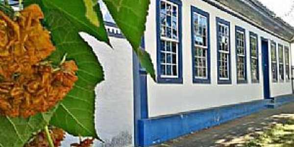 Dores do Indaiá-MG-Prédio do Patrimônio Histórico-Foto:Shirley Araújo-Facebook