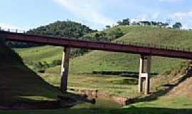 Dores do Paraibuna - Ponte-Foto:Gleison Junior