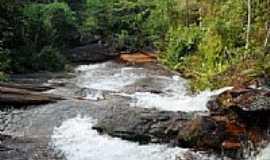 Dores do Turvo - Cachoeira em Dores do Turvo-MG-Foto:Antrbns