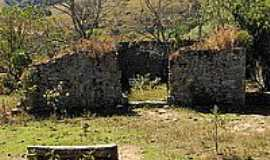 Entre Rios de Minas - Casa da Pedra do Gamb�