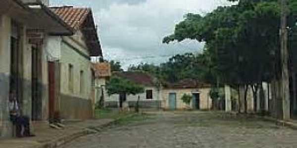 Ermidinha-MG-Rua do Povoado-Foto:www.montesclaros.mg.gov.br