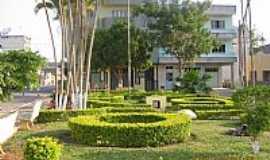Ervália - Ervália-MG-Jardim em frente a Igreja do Rosário-Foto:João BC Reis
