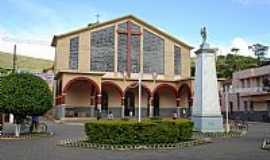 Ervália - Ervália-MG-Praça e Igreja de São Sebastião-Foto:Amarildo Souza