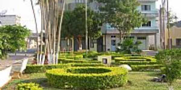 Ervália-MG-Jardim em frente a Igreja do Rosário-Foto:João BC Reis