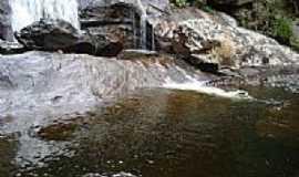 Estevão de Araújo - Cachoeira do Boné-Foto:gui rios [Panoramio]