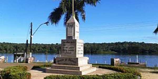 Oiapoque-AP-Monumento Aqui come�a o Brasil-Foto:Alan Kardec