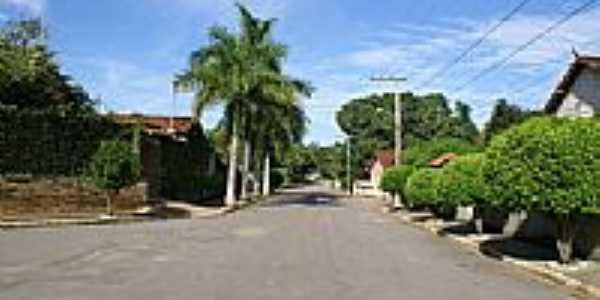 Rua em Fernão Dias-Foto:Fernando Bezerra [Panoramio]