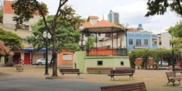 coreto da praça Ferreira Pires, Por NIVALDO JOSE PINTO