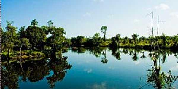 Pracuúba-AP-Rio Flexal-Foto:ralmeida10.blogspot.com