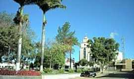 Francisco Sá - Praça e Igreja-Foto:Renato Duarte[Panoramio]
