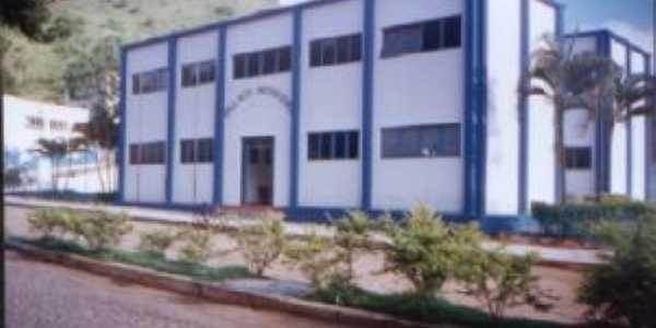 prédio da prefeitura municipal  da cidade de Frei Gaspar-mg., Por Alcemiro Fernandes