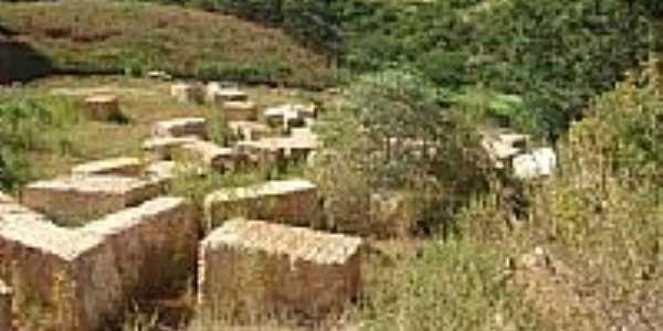 Granminas-Branco-Extração de Granito desativado-Foto:Saulo Murta 2