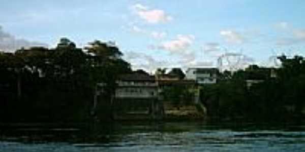 Casas ribeirinhas do Rio Grande em Fronteira-MG-Foto:Ivair Turco
