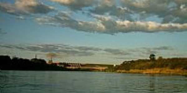 Ponte sobre o Rio Grande em Fronteira-MG-Foto:Ivair Turco