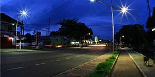 Santana-AP-Avenida Central vista noturna-Foto:Amapaense