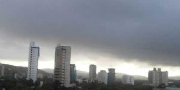 um amanhecer nublado em Valadares, Por KÊNIA EPIFÂNIA