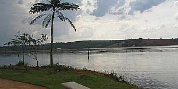 Guapé-MG-Orla do Lago-Foto:guapeturismo.