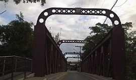 Guarani - Guarani-MG-Ponte sobre o Rio Pomba da antiga Estrada de Ferro Leopoldina-Foto:Raymundo P Netto