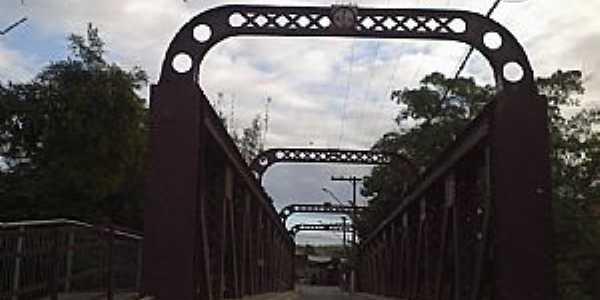 Guarani-MG-Ponte sobre o Rio Pomba da antiga Estrada de Ferro Leopoldina-Foto:Raymundo P Netto