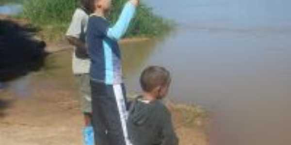 rio jequitinonha que passa pelo lugarejo de guaranilandia , Por ivone ferreira da silva