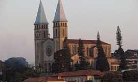 Guaxupé - Guaxupé-MG-Catedral de N.Sra.das Dores-Foto:rogercm