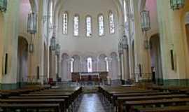 Guaxupé - Interior da Catedral N.Sra.das Dores em Guaxupé-MG-Foto:Beatriz Barreto Tane…