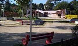Guidoval - Praça principal reformada-Foto:Tio Léo [Panoramio]