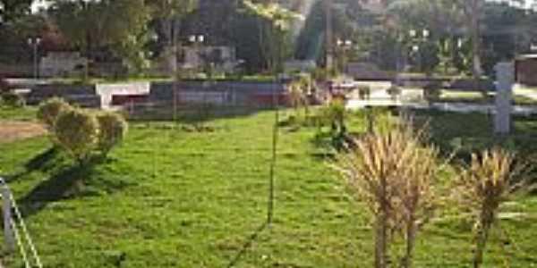 Praça principal reformada-Foto:Tio Léo [Panoramio]