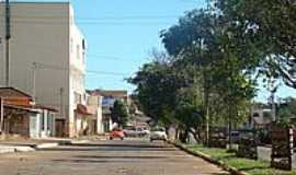 Guimarânia - Avenida Espírito Santo-Foto:tarciso [Panoramio]