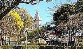 Guimarânia - Praça da Matriz-Foto:tarciso [Panoramio]
