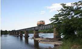 Serra do Navio - Serra do Navio-AP-Ponte que da acesso à cidade-Foto:viajeaqui.abril.com.br