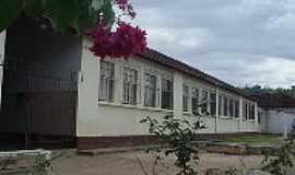 Iapu - Iapu-MG-Grupo Escolar-Foto:asminasgerais.com.br