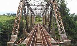 Ibiá - Ibiá-MG-Pontilhão Ferroviário sobre o Rio Misericórdia-Foto:Geano Rocha