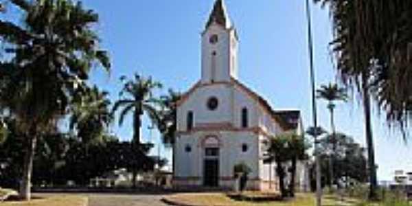 Igreja Matriz de São Pedro de Alcântara em Ibiá-MG-Foto:olintocristo