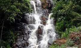 Ibiraci - Ibiraci-MG-Primeira Cachoeira do Córrego do Grotão-Foto:EUS
