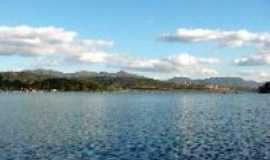 Ibirité - Lagoa rodeada de condominios, Por Wellington Freitas