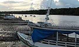 Sucuriju - Barcos na beira do rio em Sucuriju-AP-Foto:anderson batista