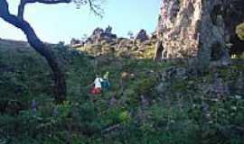 Igarapé - Subida da Pedra Grande em Igarapé-MG-Foto:igarapemg.