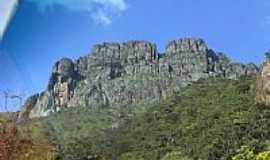 Igarapé - Vista da Pedra Grande em Igarapé-MG-Foto:igarapemg.